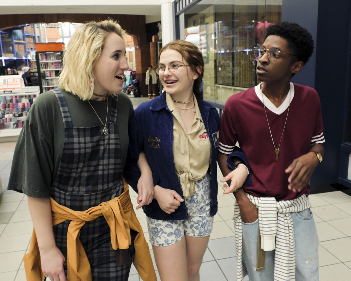 """'CRUEL SUMMER' episode 1 """"Happy Birthday, Jeanette Turner"""": Harley Quinn Smith as Mallory, Chiara Aurelia as Jeanette Turner, and Allius Barnes as Vince in behind the scenes of the show"""