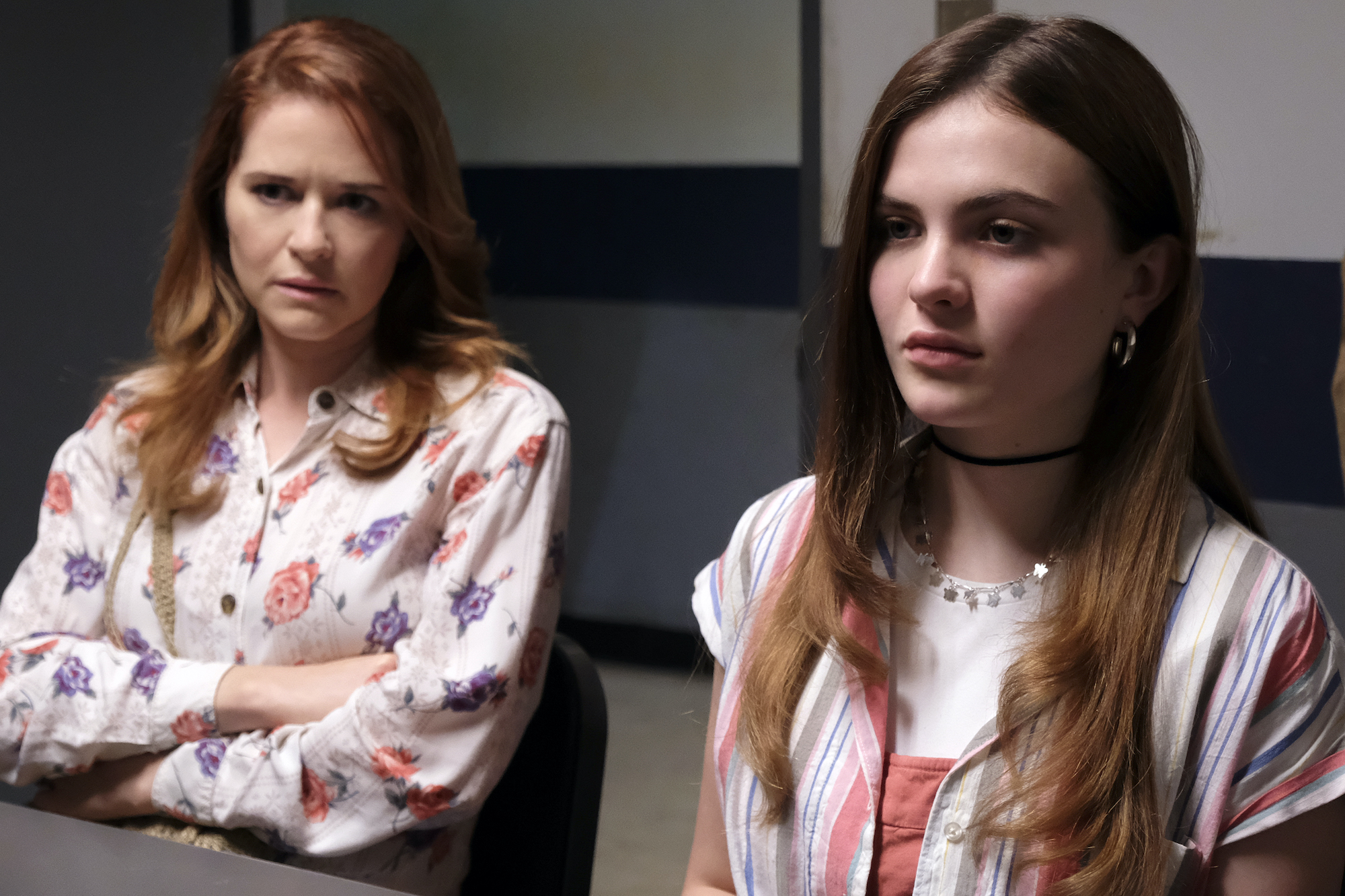 """'CRUEL SUMMER' episode 3, """"Off With a Bang"""": Sarah Drew as Cindy Turner and Chiara Aurelia as Jeanette Turner"""