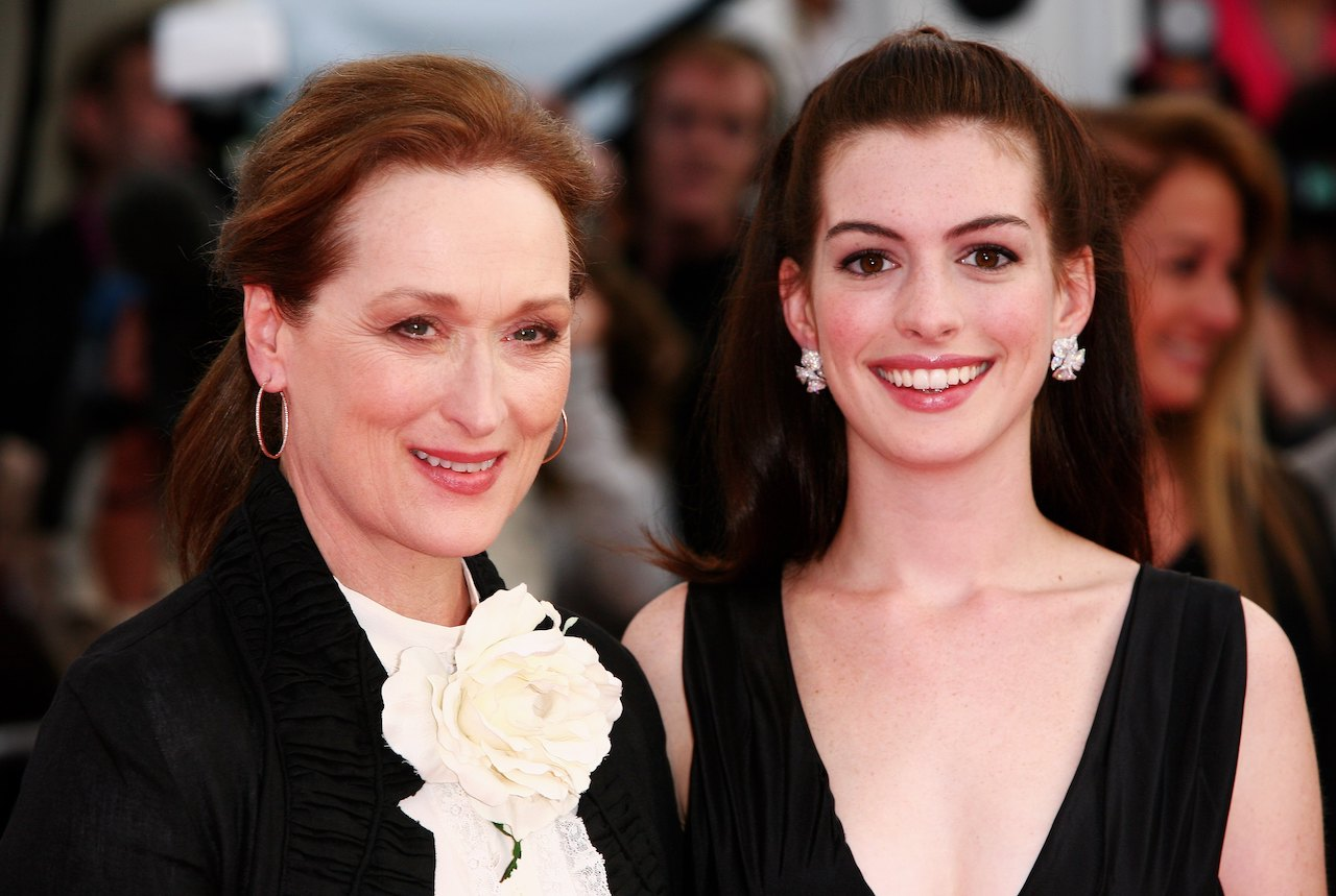 Actresses Meryl Streep (L) and Anne Hathaway arrive at the The Devil Wears Prada premiere at