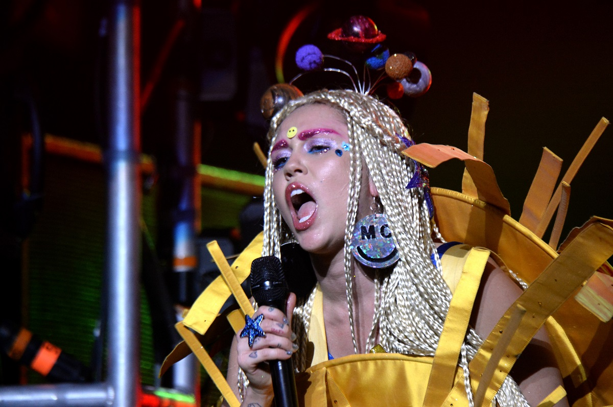 Miley Cyrus performs during her Dead Petz Tour on December 19, 2015, in Los Angeles, California.