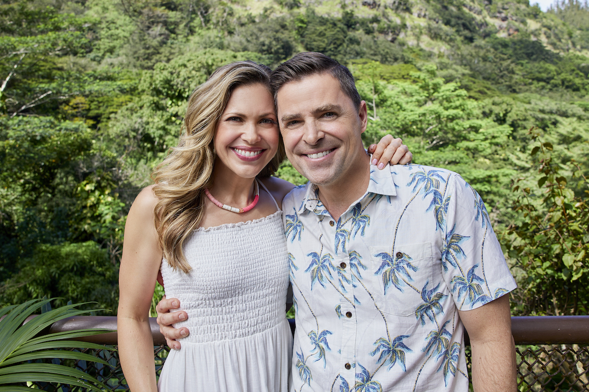 Pascale Hutton and Kavan Smith with their arms around each other in You Had Me At Aloha