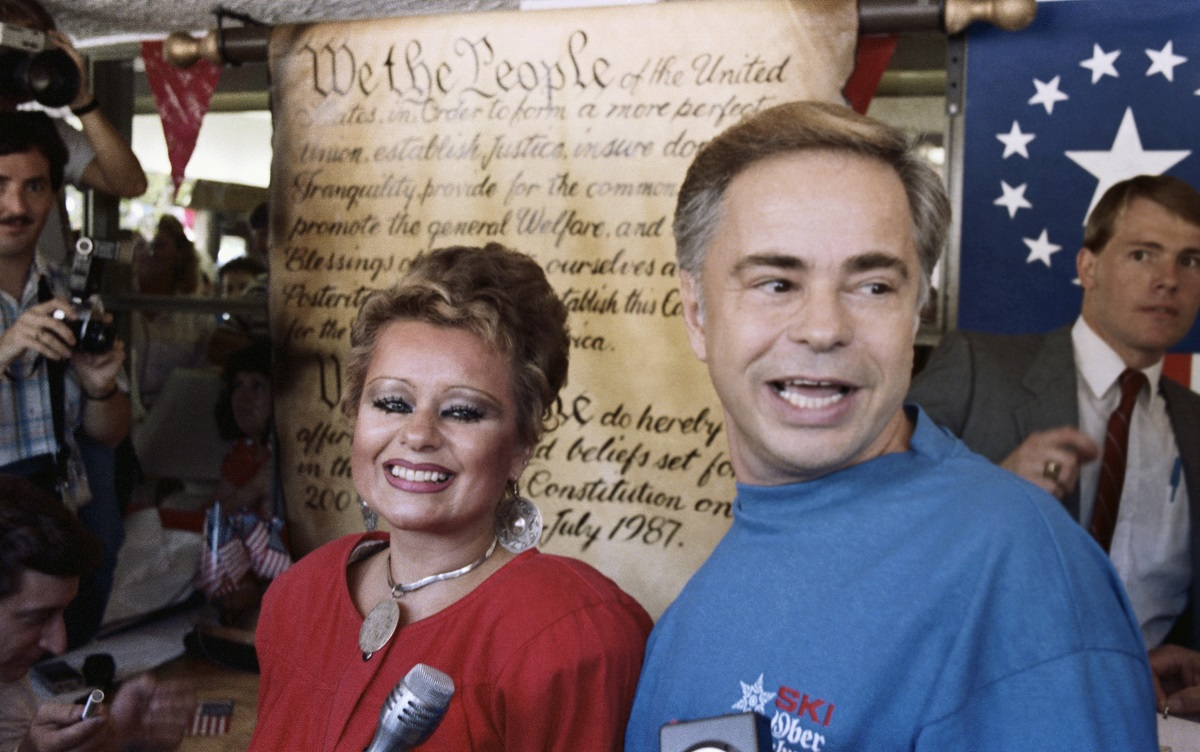 Jim Bakker (R), founder of the PTL television ministry and his wife Tammy Faye in 1987.