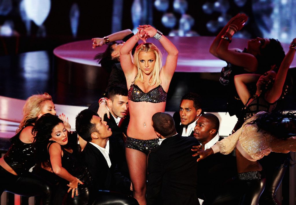 Britney Spears dancing at the 2007 MTV video music awards