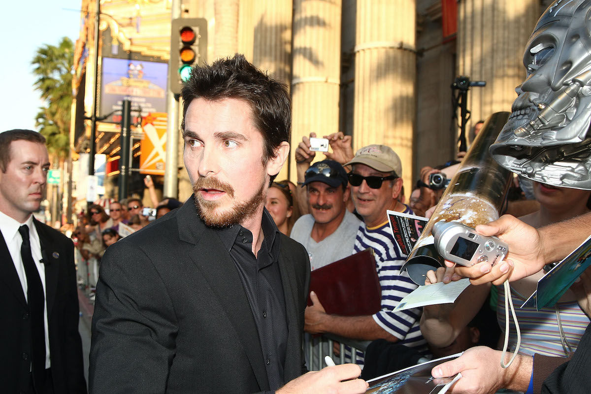 Christian Bale greets fans and signs autographs at the 'Terminator Salvation' premiere