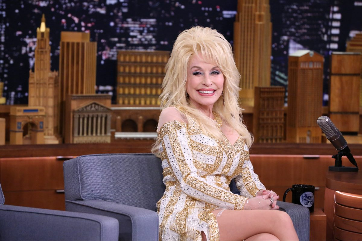 Dolly Parton appearing on The Tonight Show Starring Jimmy Fallon in 2016