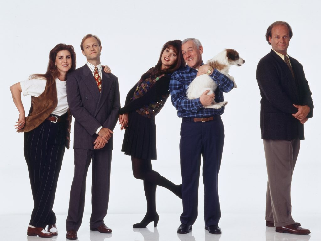 Peri Gilpin, David Hyde Pierce, Jane Leeves, John Mahoney, Moose as Eddie and Kelsey Grammer pose for pomotional pictures for 'Frasier'
