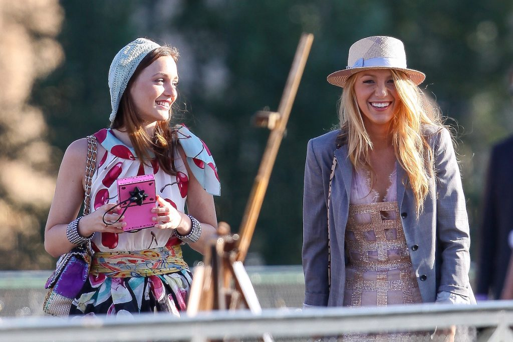 Leighton Meester and Blake Lively are filming outside in Paris for 'Gossip Girl'
