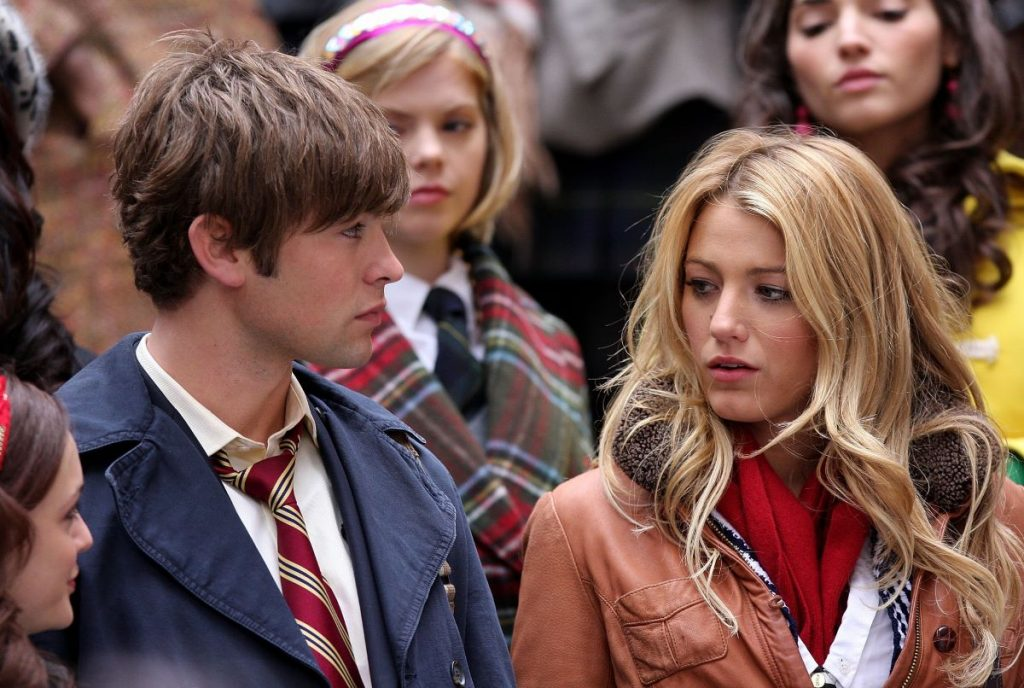Chace Crawford as Nate Archibald wears a school uniform and Blake Lively as Serena van der Woodsen wears a jacket at school on 'Gossip Girl'