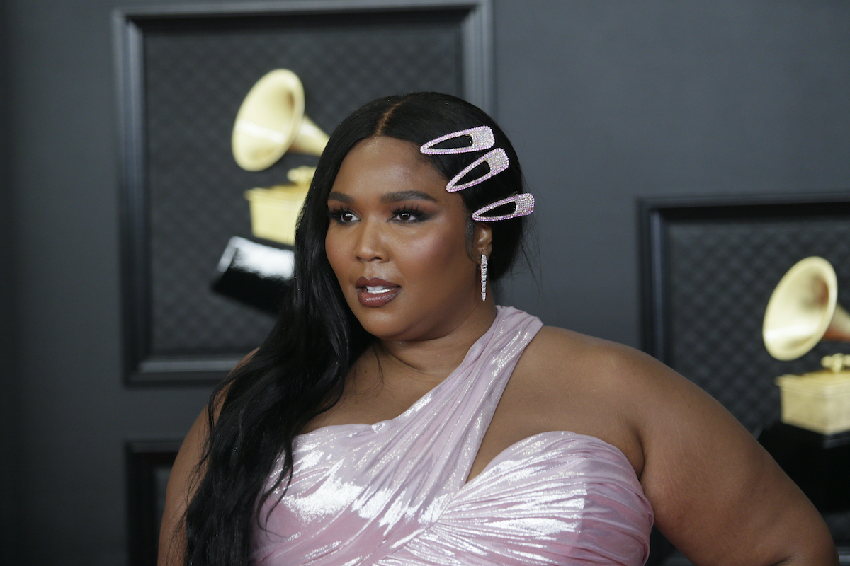 Lizzo attends the Grammy awards in a sparkly pink dress
