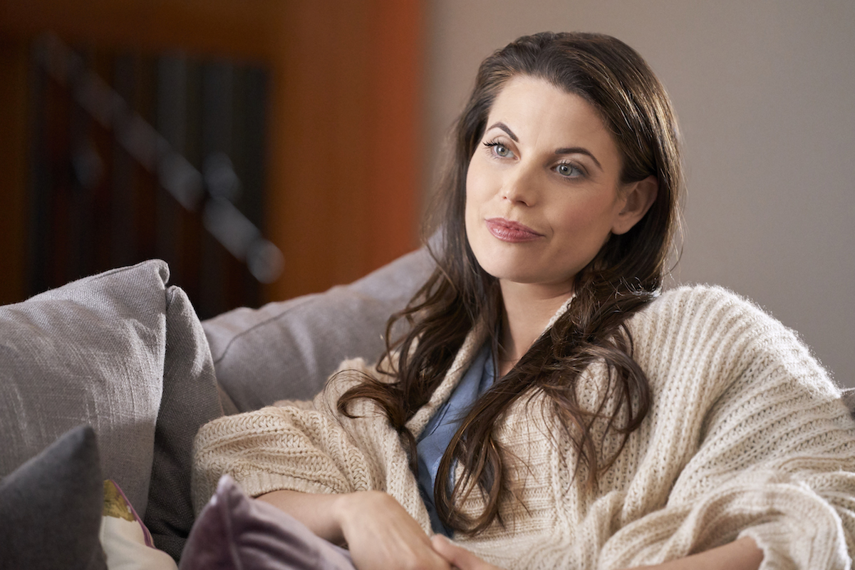 Meghan Ory as Abby O'Brien in an episode of 'Chesapeake Shores' Season 4