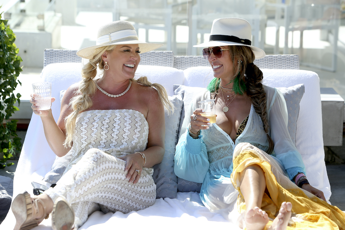 Elizabeth Lyn Vargas, Kelly Dodd have cocktails on The Real Housewives of Orange County