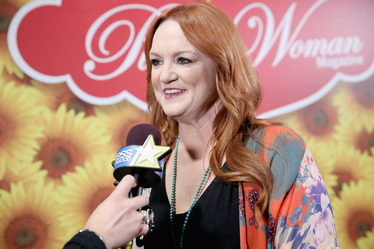 The Pioneer Woman Ree Drummond talks to a reporter at a Pioneer Woman event in 2017