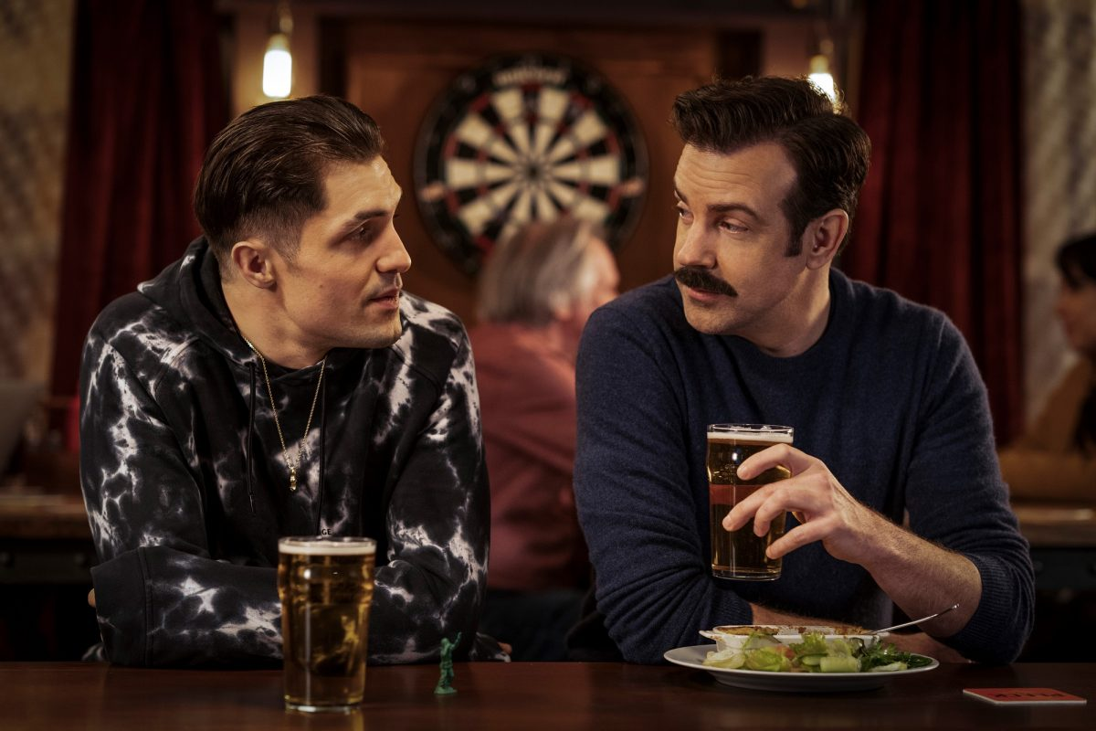 Jamie Tartt and Ted Lasso meet at a restaurant and drink beer in 'Ted Lasso'
