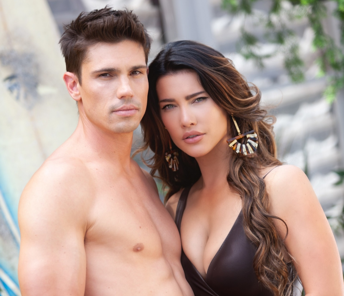 Jacqueline MacInnes Wood and Tanner Novlan of 'The Bold and the Beautiful'