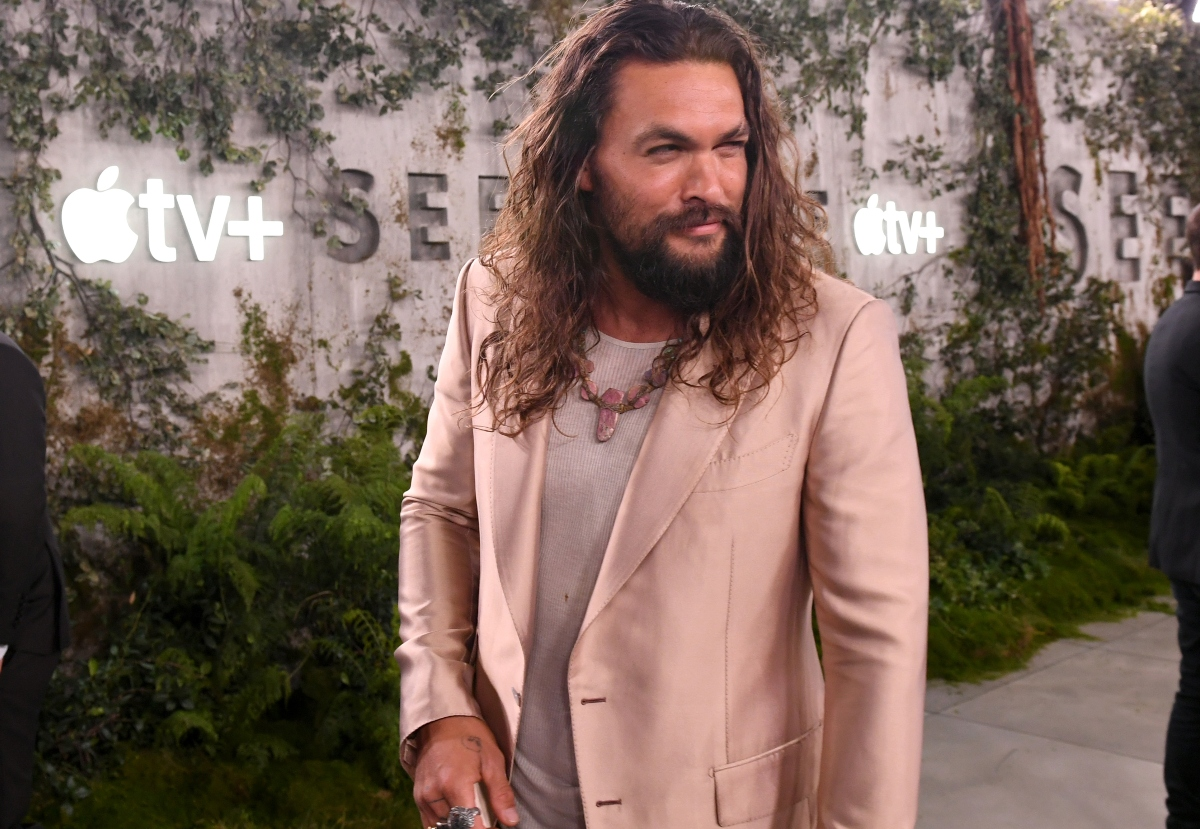 Jason Momoa attends the world premiere of Apple TV+'s 'See' at Fox Village Theater on October 21, 2019 in Los Angeles, California