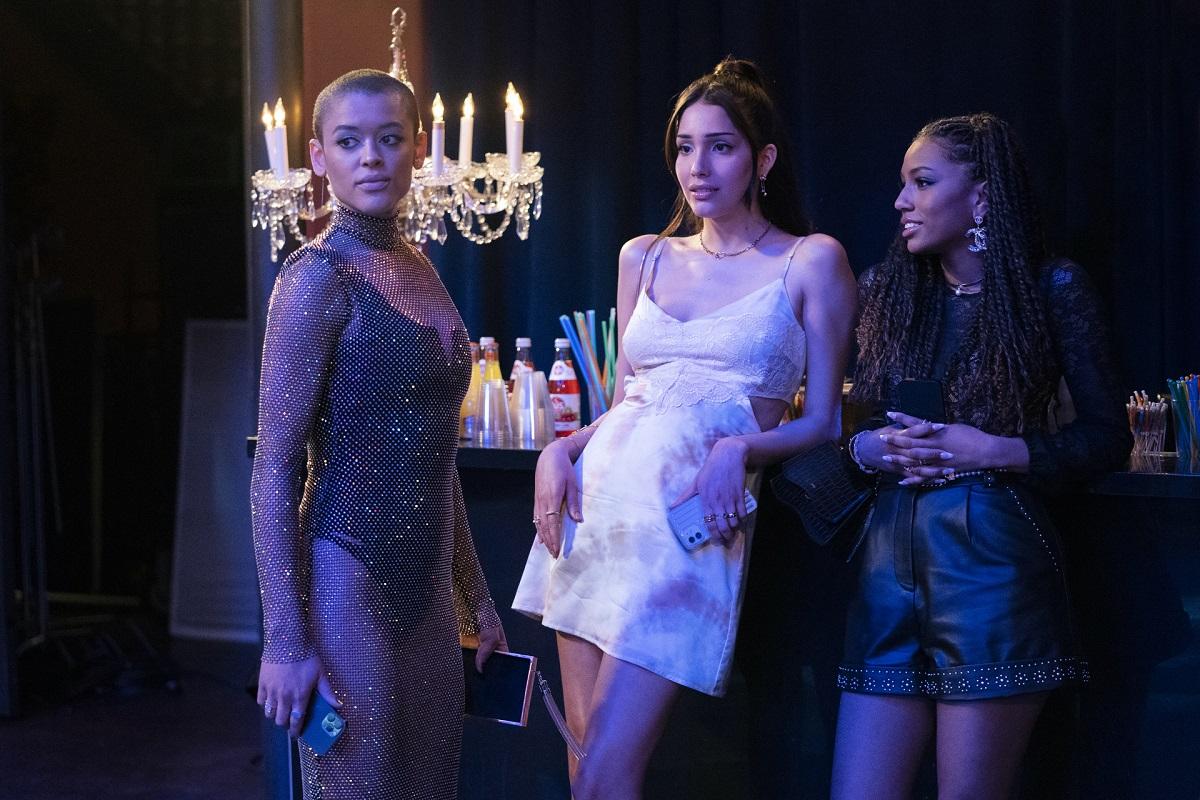 (L-R): Julien (Jordan Alexander), Luna (Zion Moreno), and Monet (Savannah Smith) in 'Gossip Girl' Episode 4