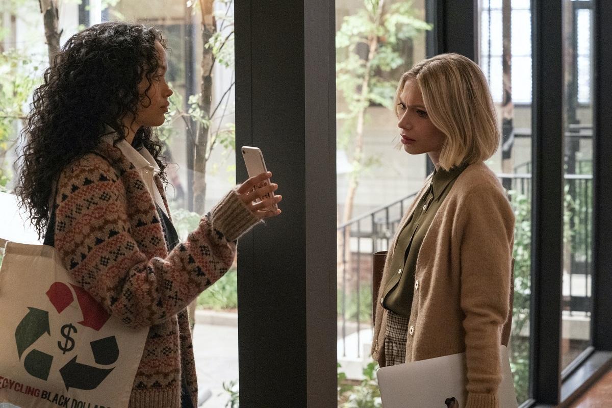 (L-R) Zoya (Whitney Peak) and Kate (Tavi Gevinson) in 'Gossip Girl' Episode 4