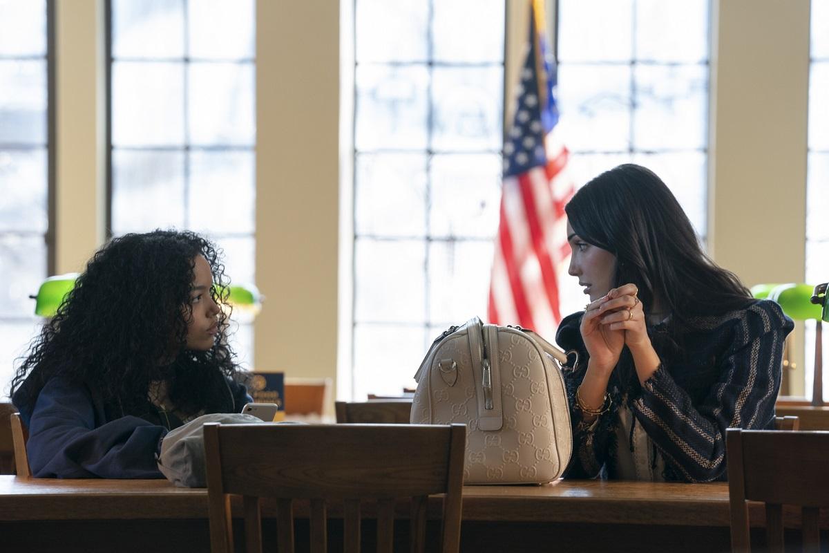 (L-R): Whitney Peak (Zoya Lott) and Zión Moreno (Luna La) in 'Gossip Girl' Episode 3