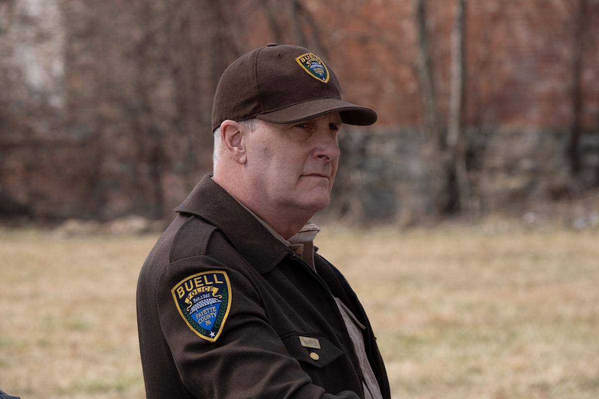 Jeff Daniels wearing a sheriff's uniform in 'American Rust'