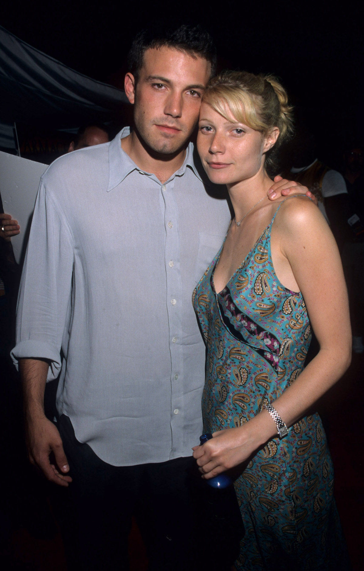 Ben Affleck with his arm around Gwyneth Paltrow at the premiere of 'Armageddon'