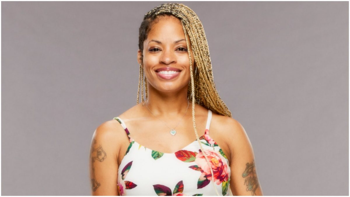 Tiffany Mitchell poses for 'Big Brother 23' cast photo