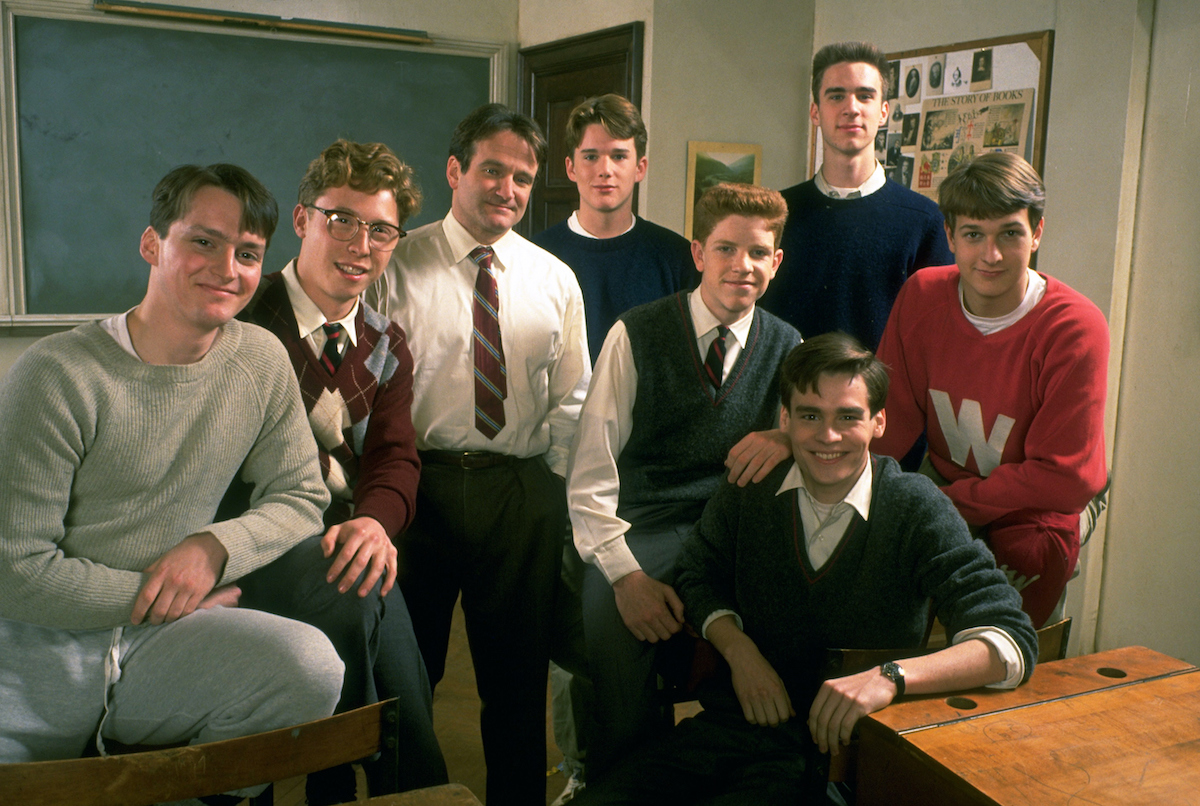 Cast of 'Dead Poet's Society' standing together.