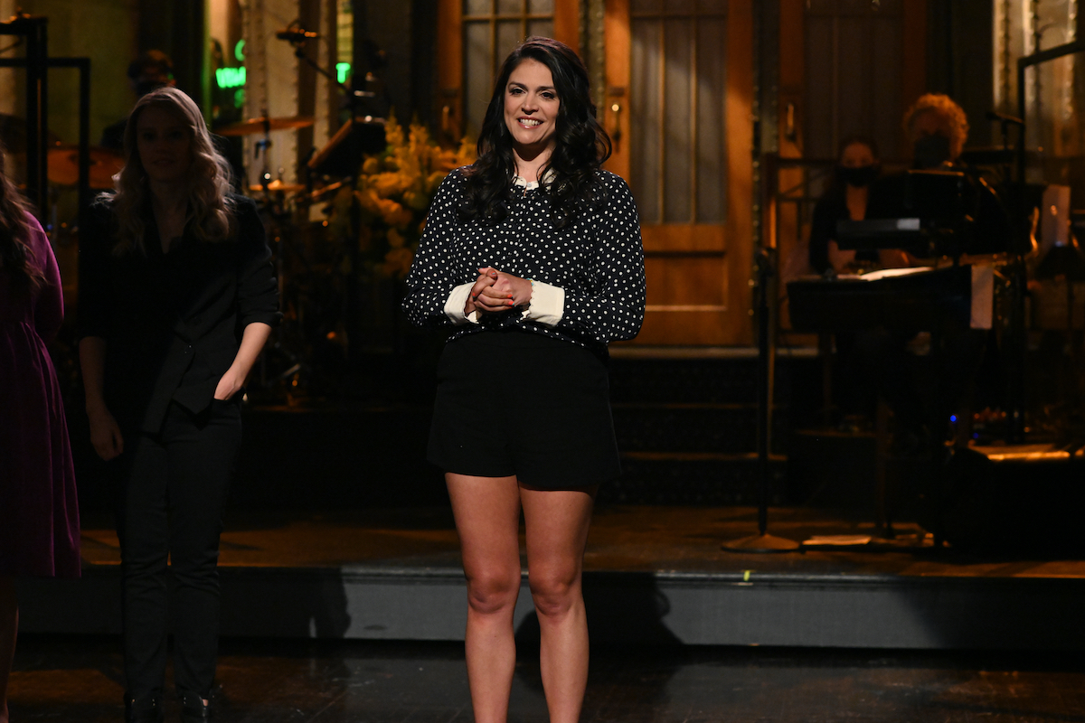 """SATURDAY NIGHT LIVE """"Anya Taylor-Joy"""" Episode 1805 -- Pictured: Cecily Strong during the """"What I Remember"""" Cold Open on Saturday, May 22, 2021"""