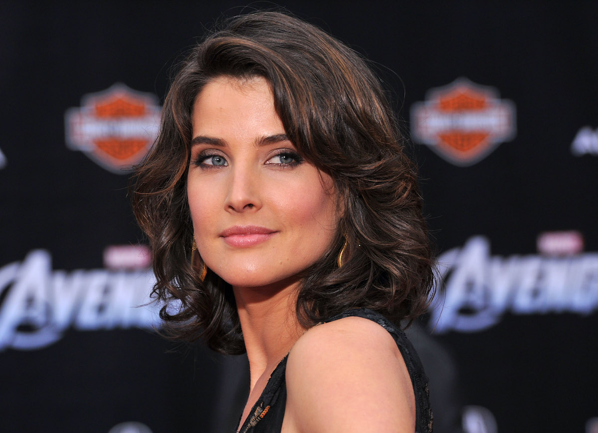 """HOLLYWOOD, CA - APRIL 11: Actress Cobie Smulders attends the Los Angeles premiere of """"Marvel's Avengers"""" at the El Capitan Theatre on April 11, 2012 in Hollywood, California. She will now star in 'Impeachment: American Crime Story"""""""