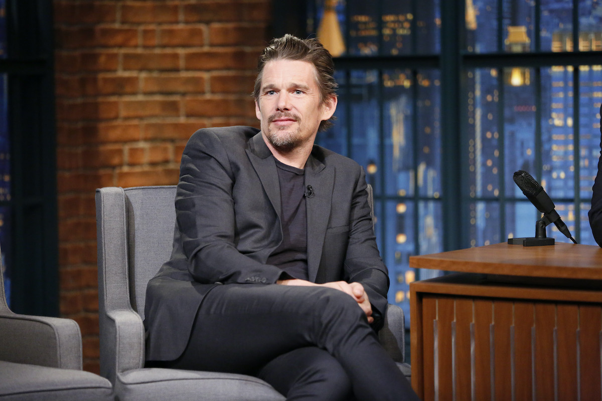 LATE NIGHT WITH SETH MEYERS -- Episode 0193 -- Pictured: (l-r) on April 21, 2015