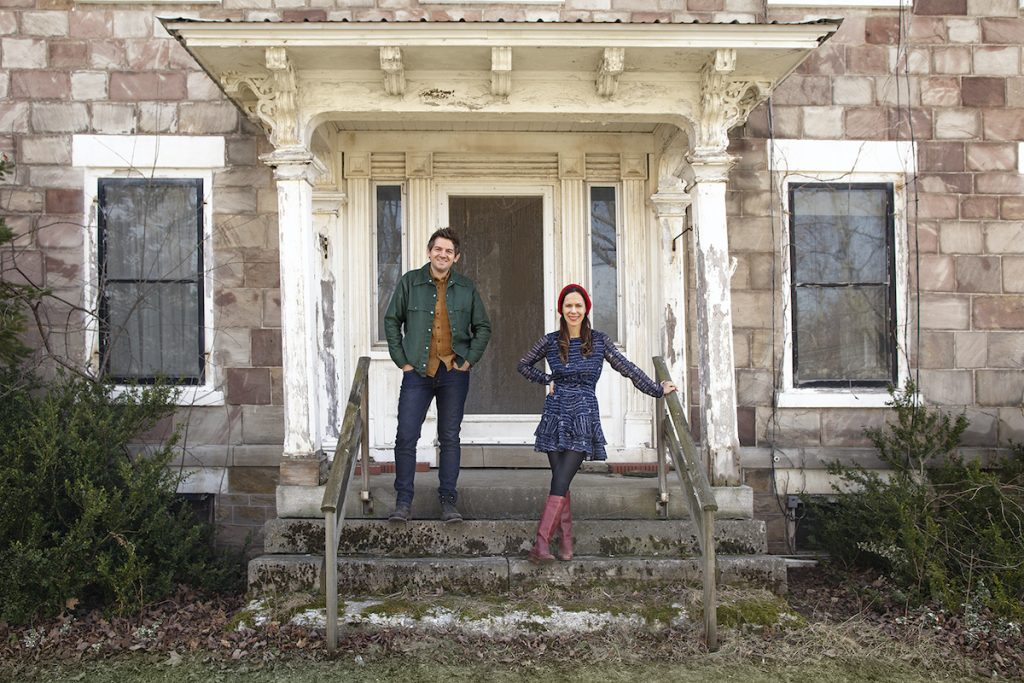 Ethan and Elizabeth Finkelstein pose for a photoshoot for their new show, Cheap Old Houses