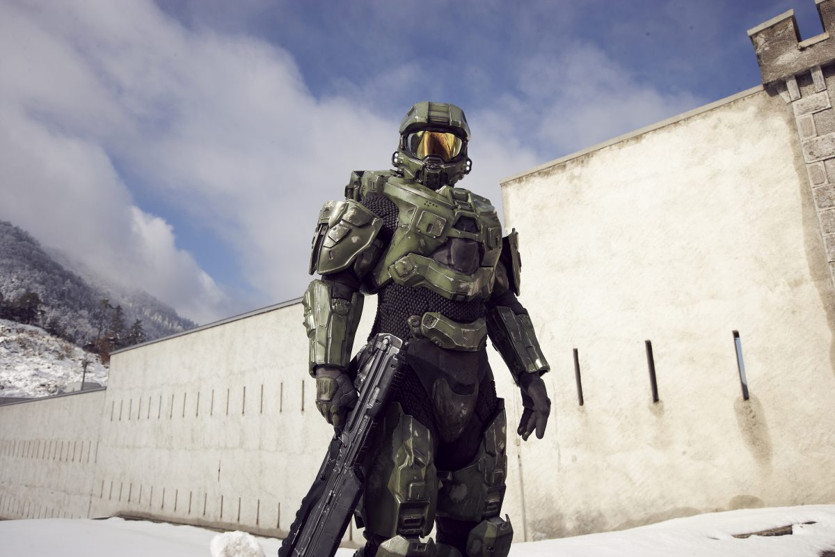 Halo Master Chief holds his gun at his side