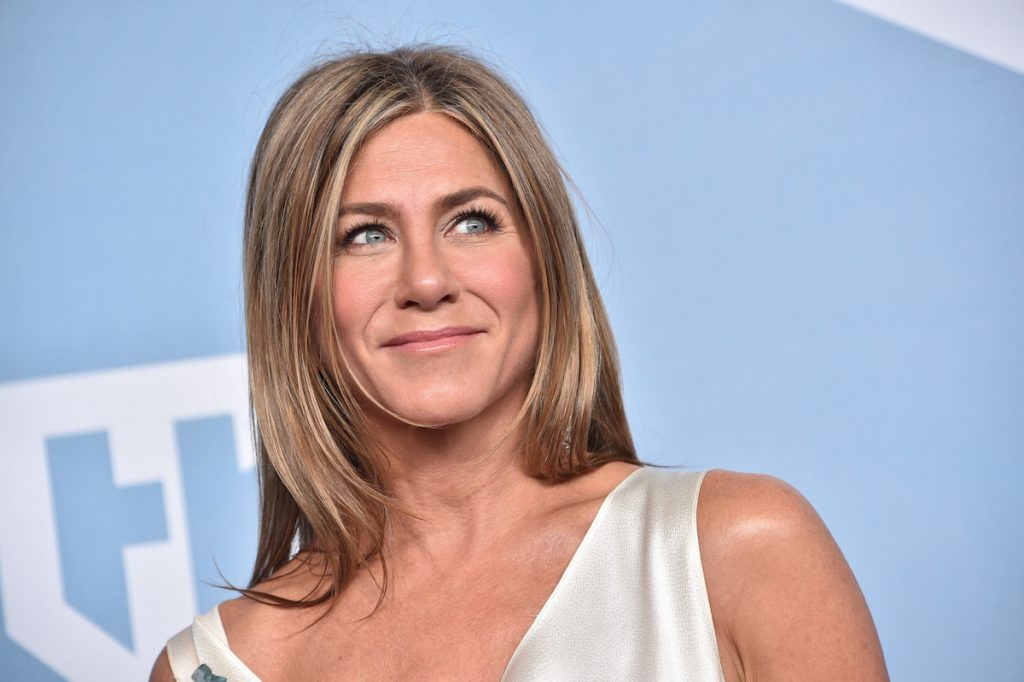Jennifer Aniston, winner of Outstanding Performance by a Female Actor in a Drama Series for 'The Morning Show', poses in the press room during the 26th Annual Screen ActorsGuild Awards at The Shrine Auditorium on January 19, 2020 in Los Angeles, California. 721430