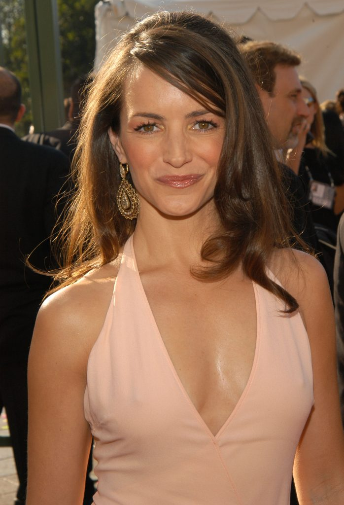 'Sex and the City' actor Kristin Davis walks the red carpet at the SAG Awards.