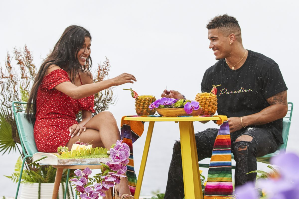 Aimee Flores and Wes Ogsbury laughing on a date during 'Love Island' season 3 episode 9
