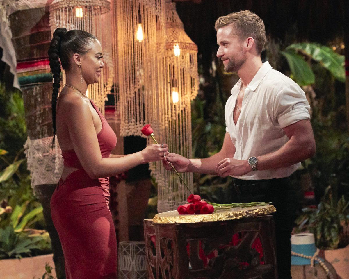 Connor B. gives Maurissa a rose on 'Bachelor in Paradise'
