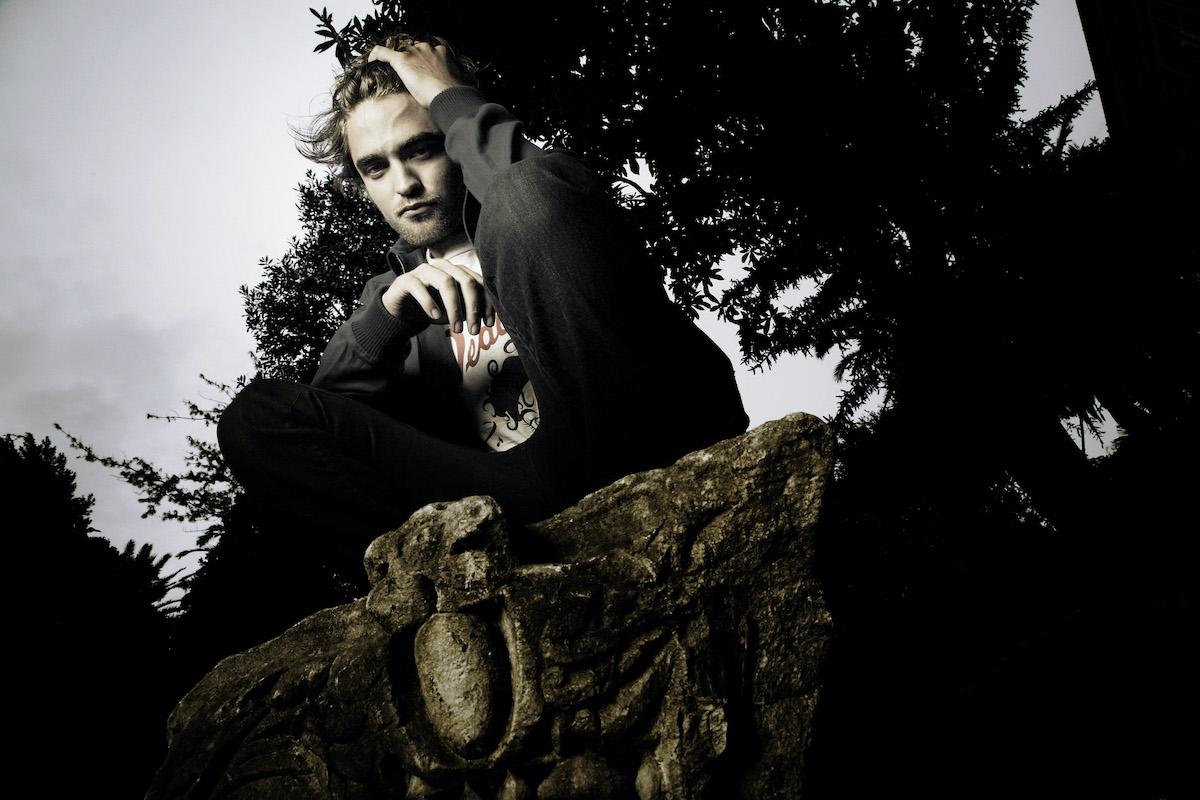 Twilight star Robert Pattinson poses as his character, Edward Cullen