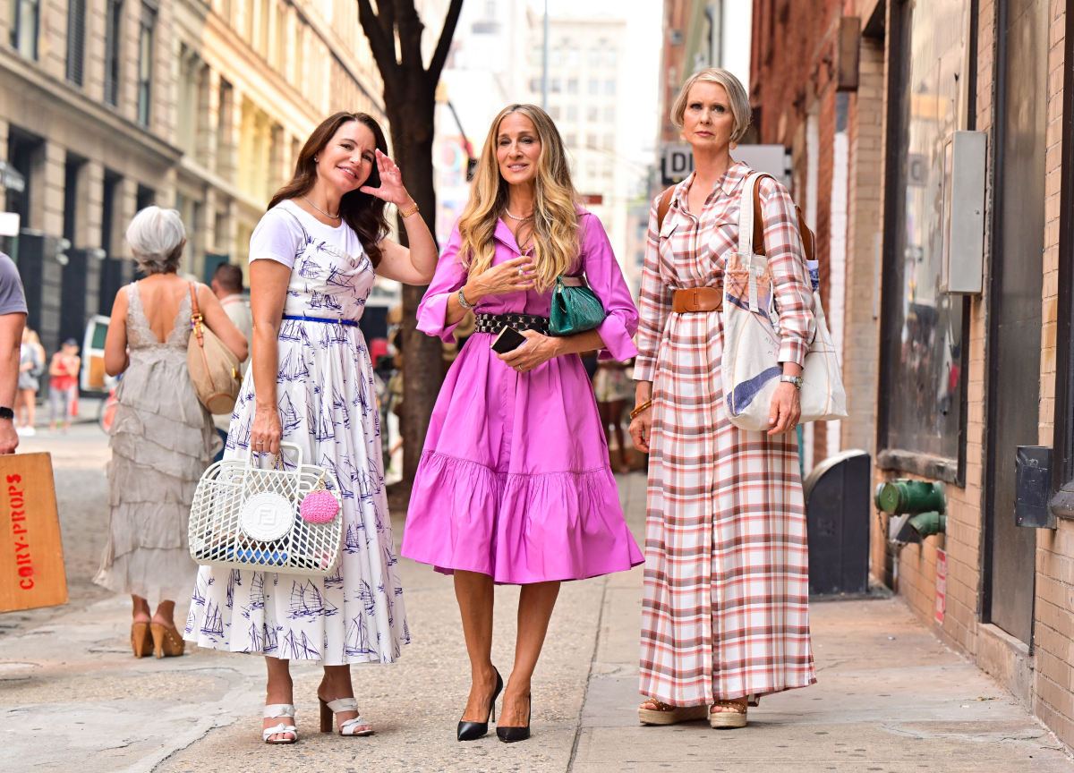 """Kristin Davis, Sarah Jessica Parker and Cynthia Nixon are seen on the set of """"And Just Like That..."""" the follow up series to """"Sex and the City"""" in SoHo on July 20, 2021 in New York City"""