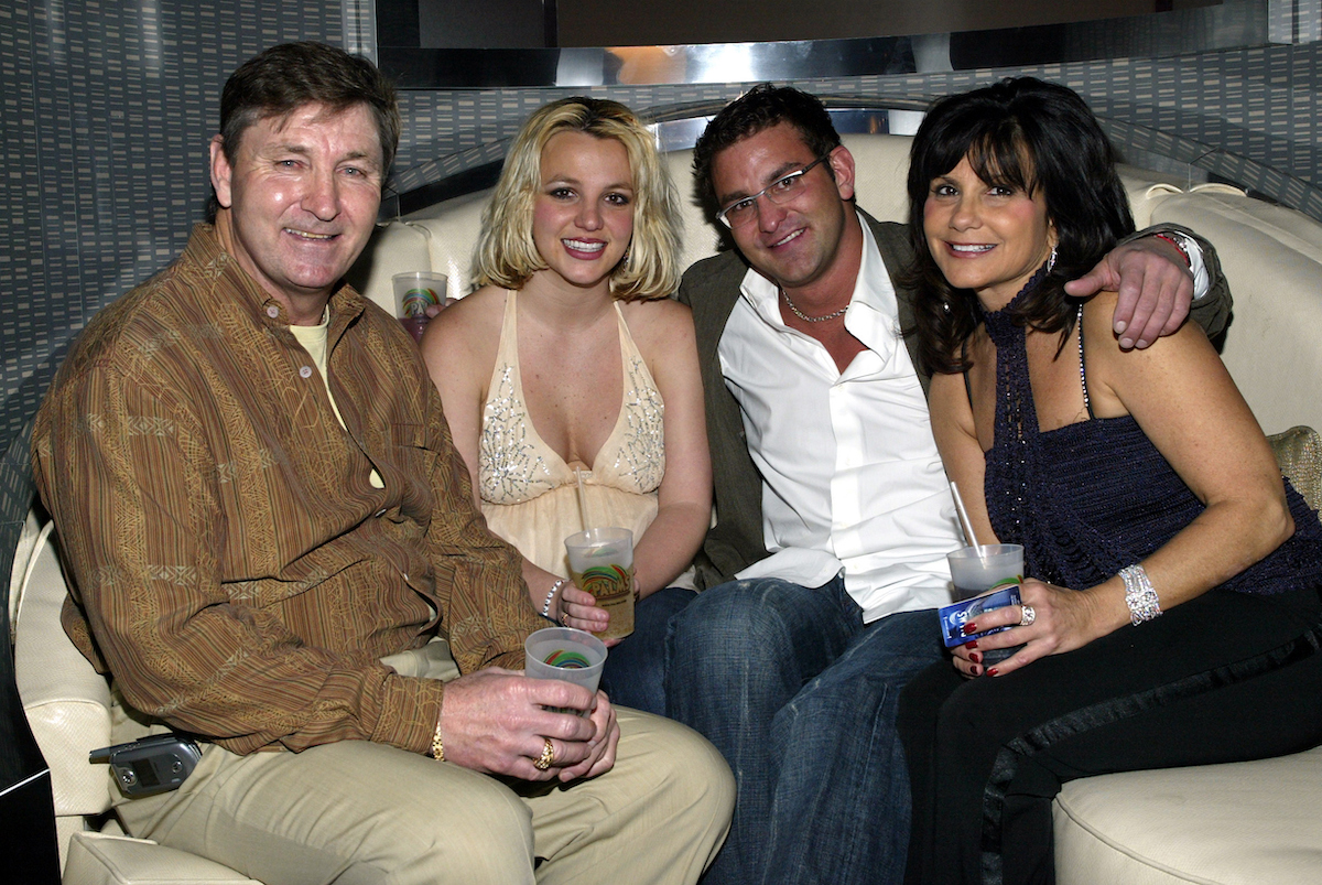 Spears family in restaruant booth