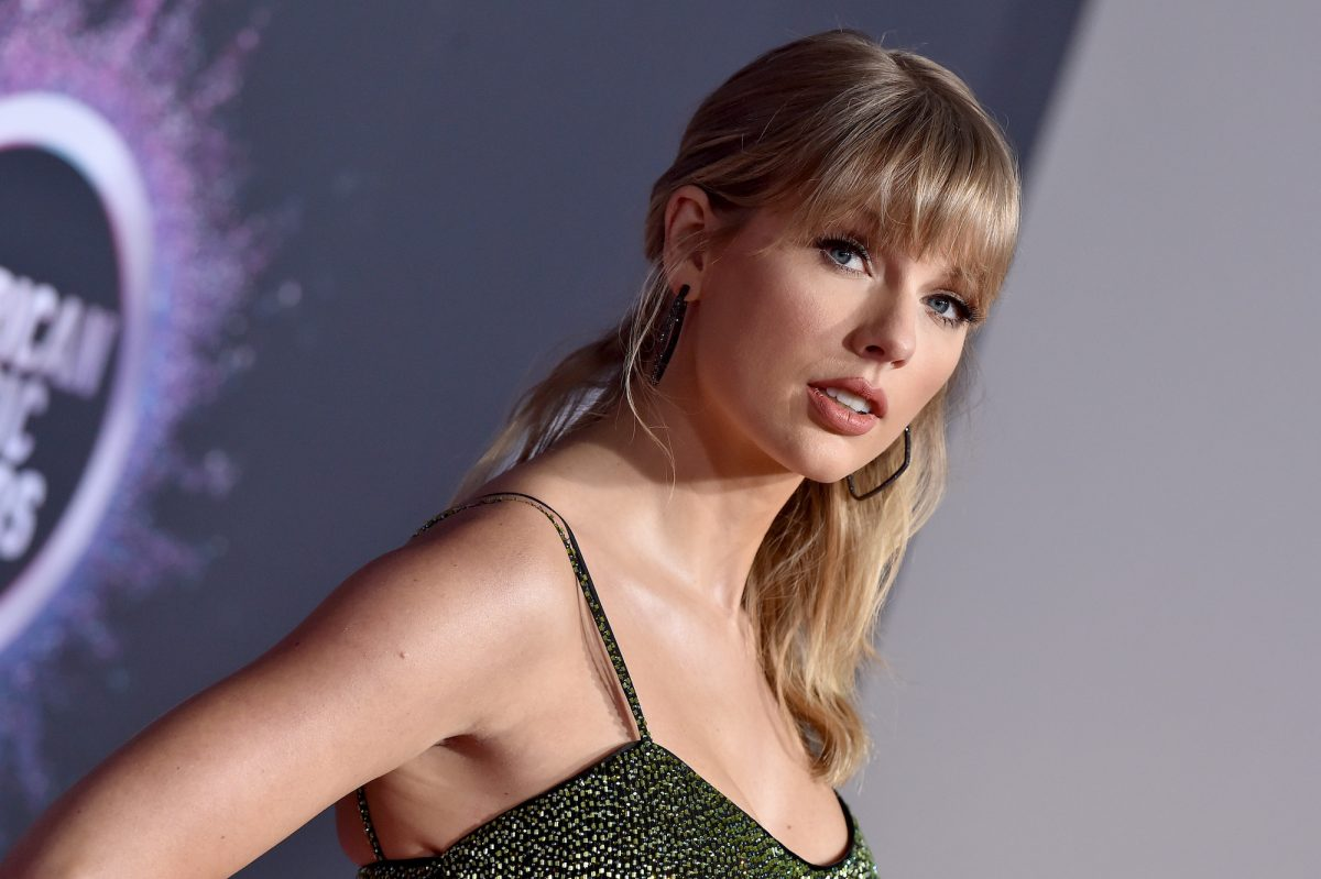 Taylor Swift attending the 2019 American Music Awards