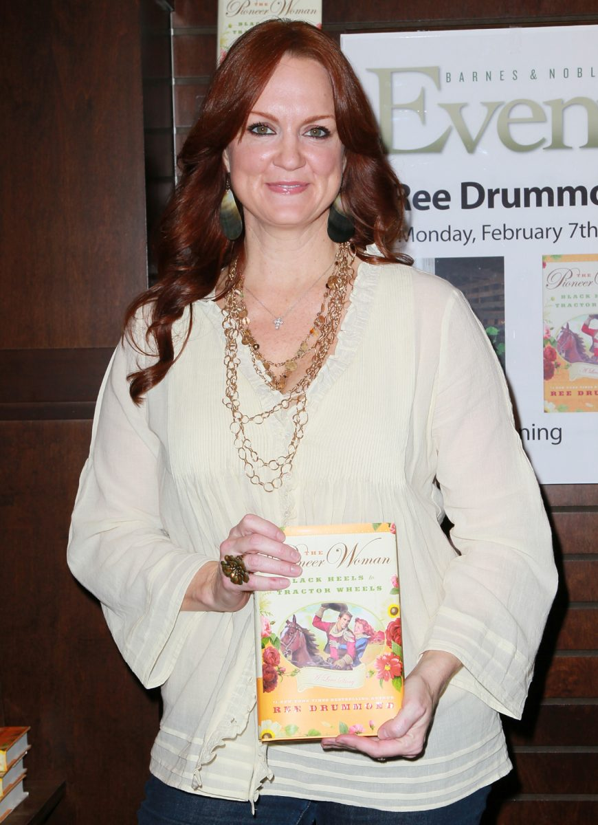 'The Pioneer Woman' star Ree Drummond holding her book