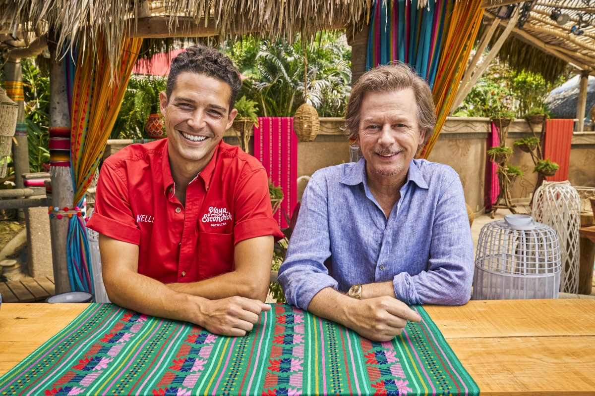 Wells Adams and David Spade on the beach of 'Bachelor in Paradise'