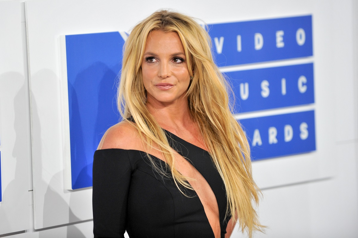 Britney Spears arrives at the 2016 MTV Video Music Awards on August 28, 2016, in New York City.
