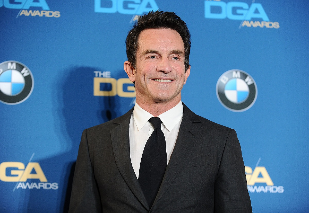 Jeff Probst in a suit and tie
