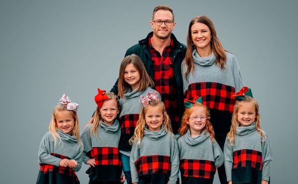 Danielle Busby, Adam Busby, and their six daughters on 'OutDaughtered'