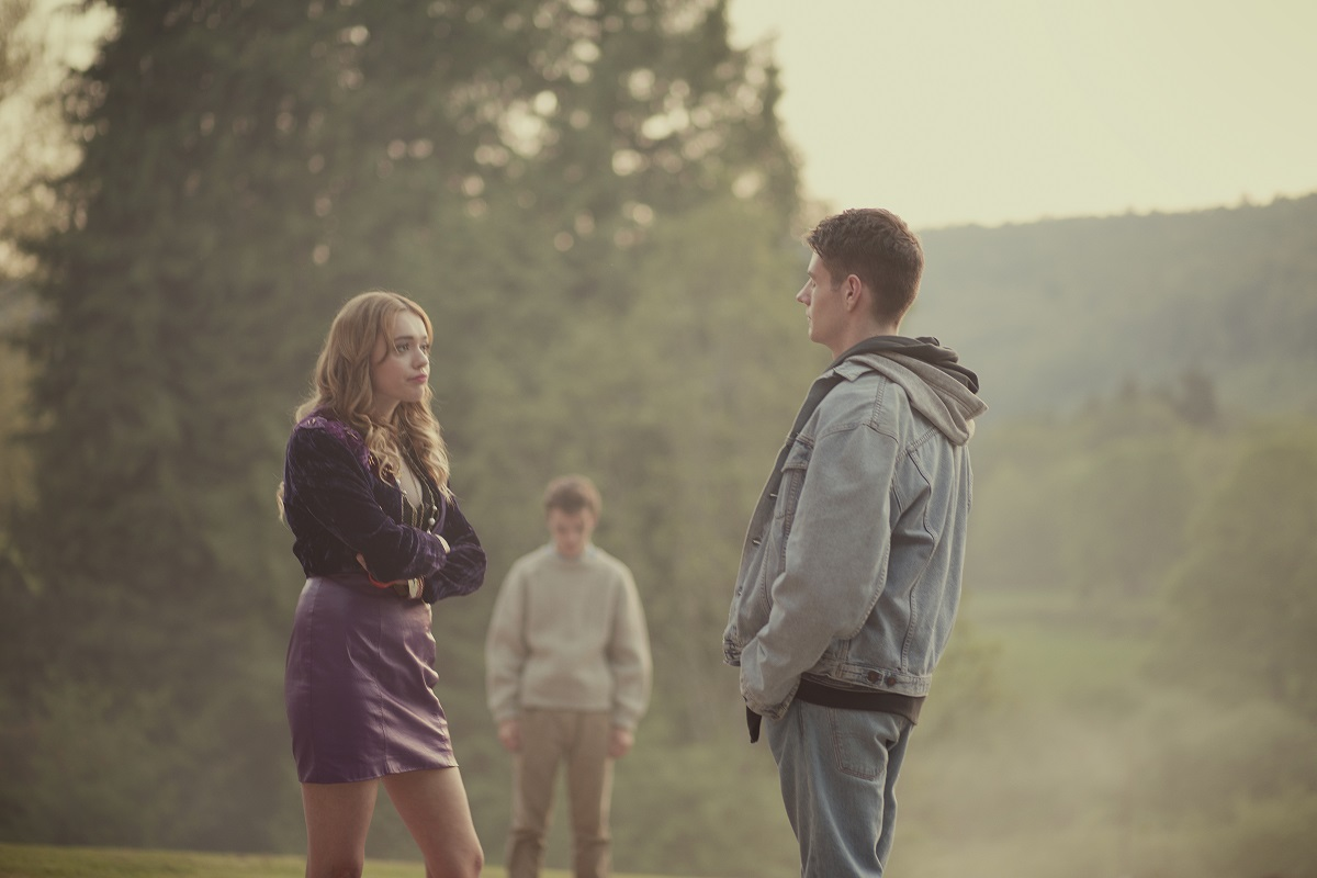 (L-R) Aimee and Adam in 'Sex Education' Season 1