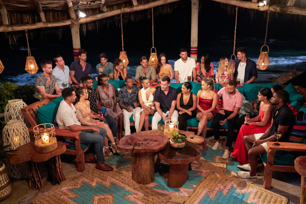 Cast of 'Bachlor in Paradise' gathered together before a rose ceremony.