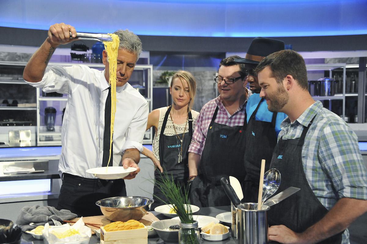 Anthony Bourdain cooking pasta