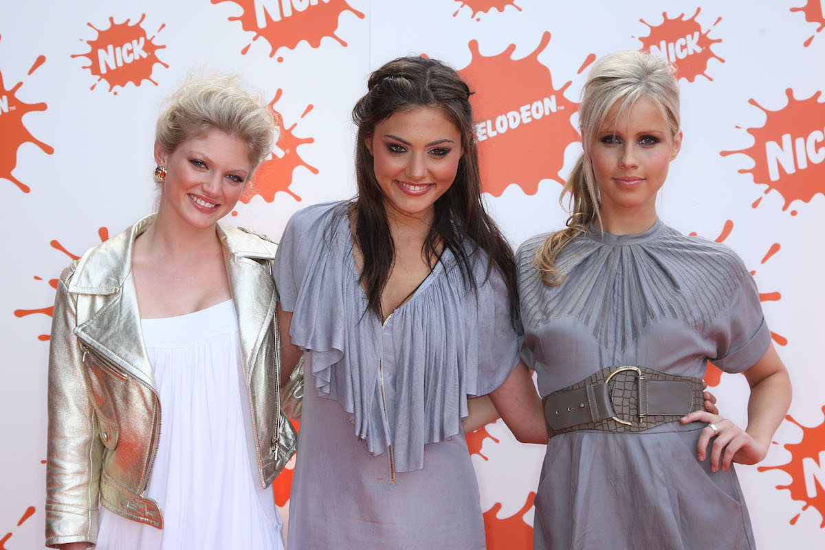 H2O: Just Add Water cast members: Cariba Heine, Phoebe Tonkin, and Claire Holt