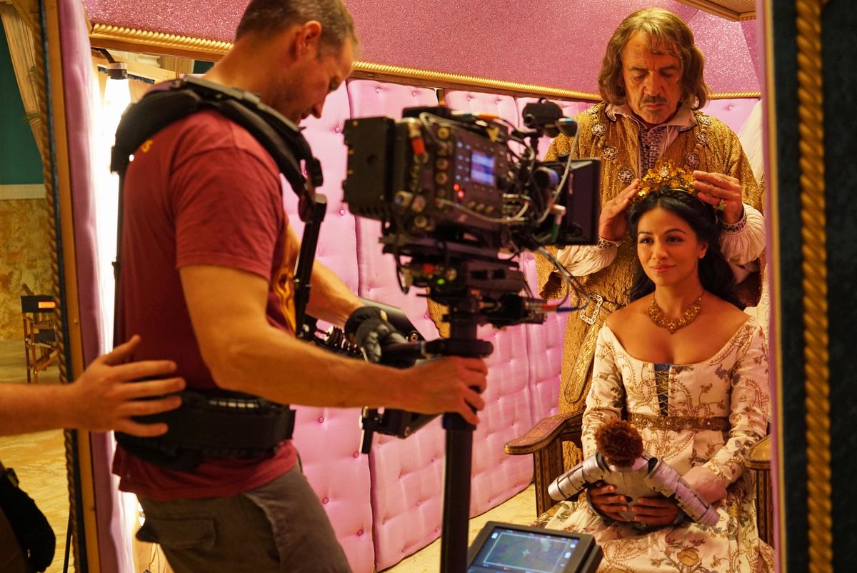 Karen David and Robert Lindsay in a scene from 'Galavant' S2
