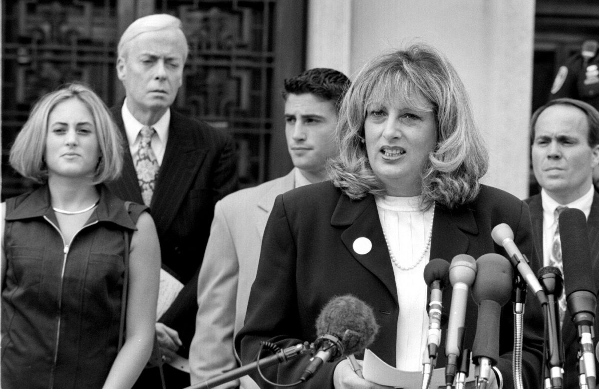 Linda Tripp speaking to the press before appearing in court in 1998